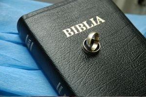 bible wedding rings